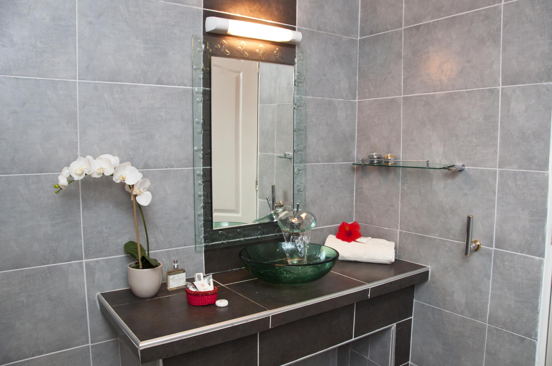 Salle de bains des chambres de l'Hôtel du Parc