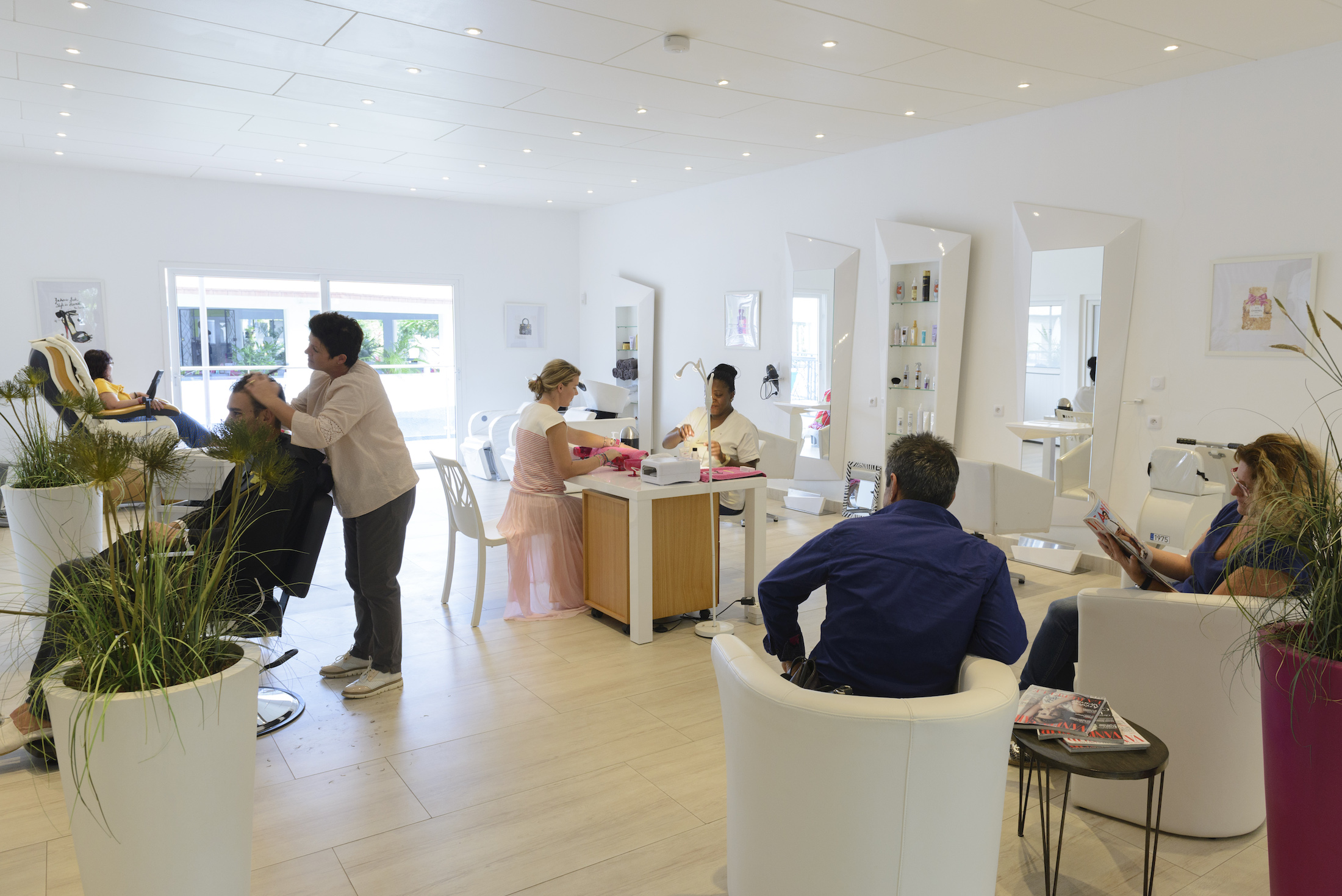 Salon coiffure Eden Wellness Hotel du Parc Port-Gentil Gabon-001