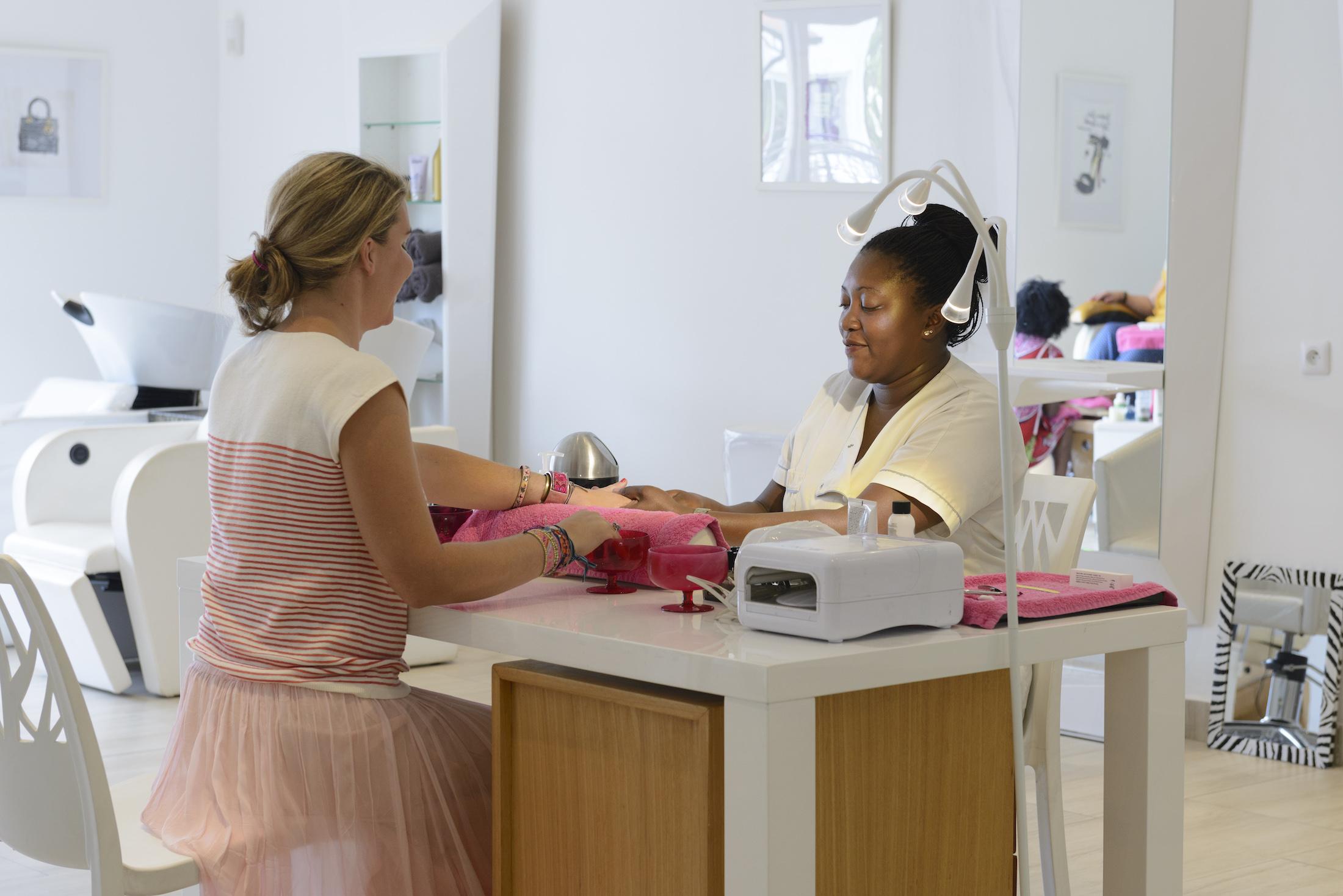 Manucure et pédicure Eden Wellness Hotel du Parc Port-Gentil Gabon