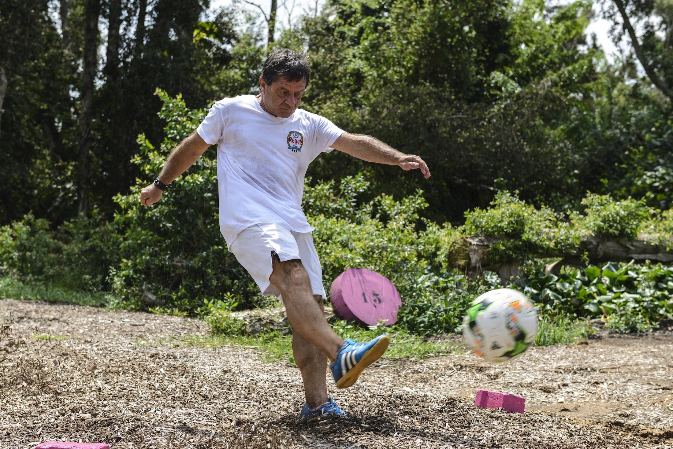 Footgolf avec Eden Sport dans le jardin botanique de l'Hôtel du Parc de Port-Gentil au Gabon